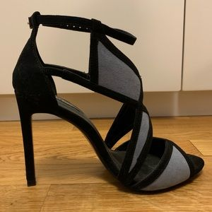 Zara Shoes | Black & Blue Suede Heels | Size: 8